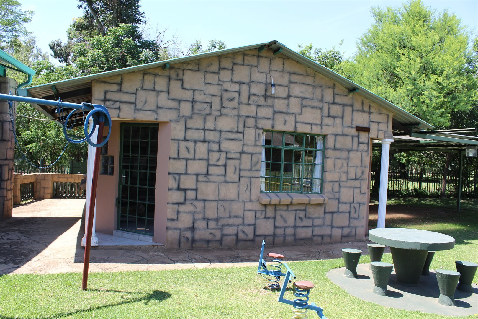 Potchefstroom property for sale. Ref No: 13551478. Picture no 8