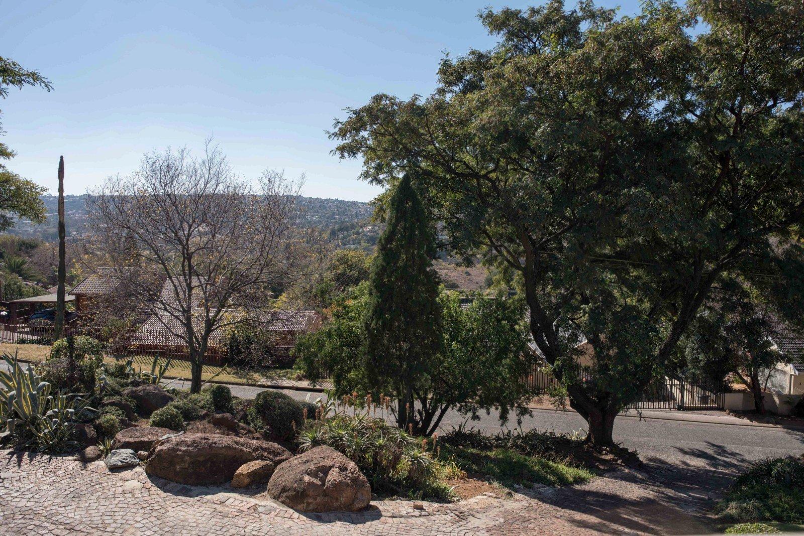 Kibler Park property for sale. Ref No: 13640953. Picture no 24