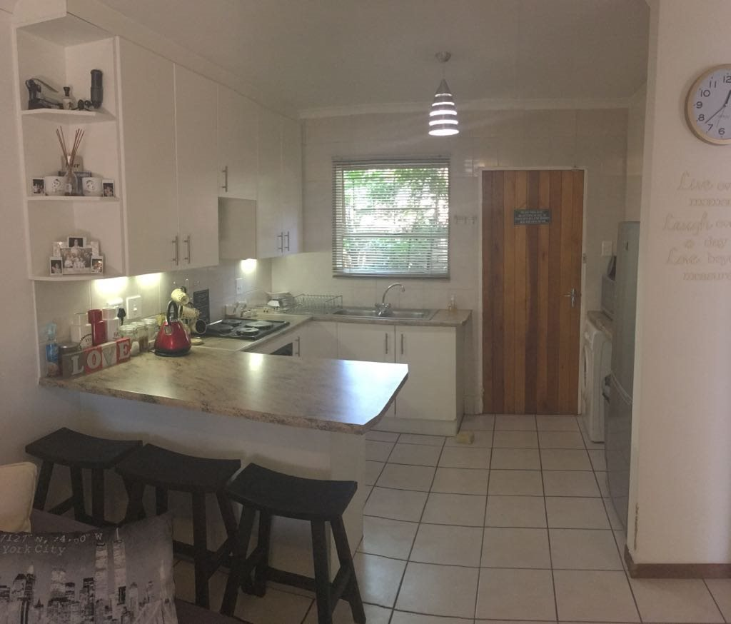 Wilgeheuwel property for sale. Ref No: 13553042. Picture no 4