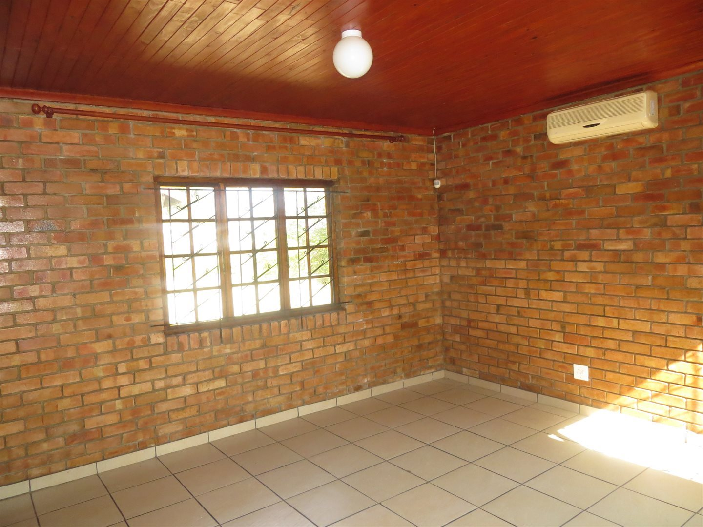 Birdswood property for sale. Ref No: 13529211. Picture no 12