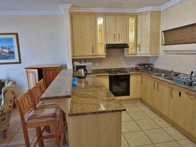 Margate property for sale. Ref No: 12725841. Picture no 5