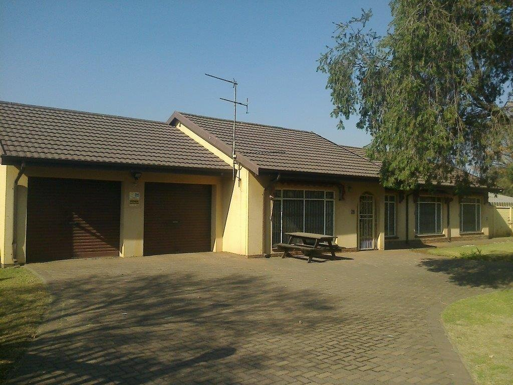 Arcon Park property for sale. Ref No: 13493385. Picture no 1