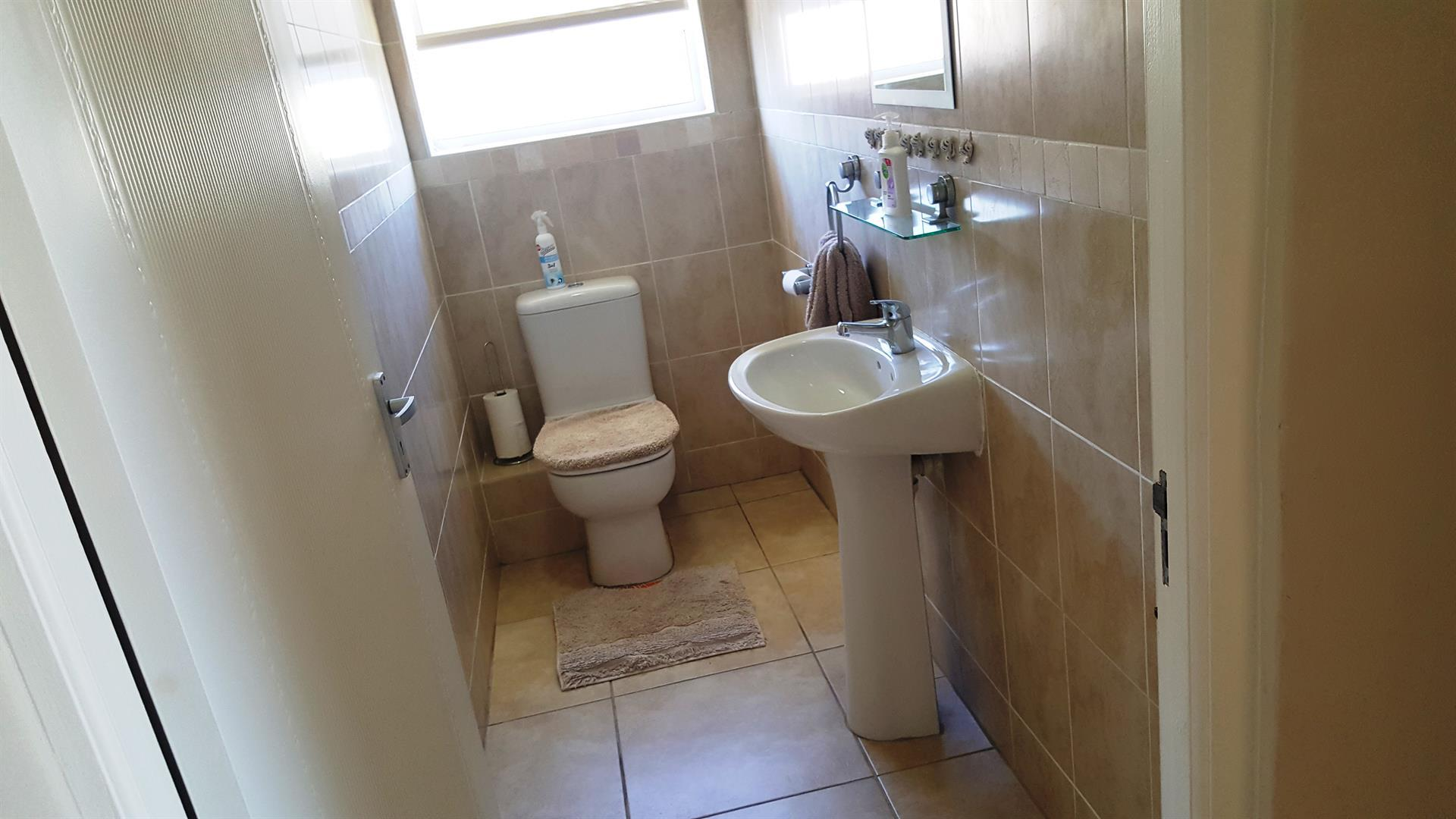 Yzerfontein property for sale. Ref No: 13442497. Picture no 39