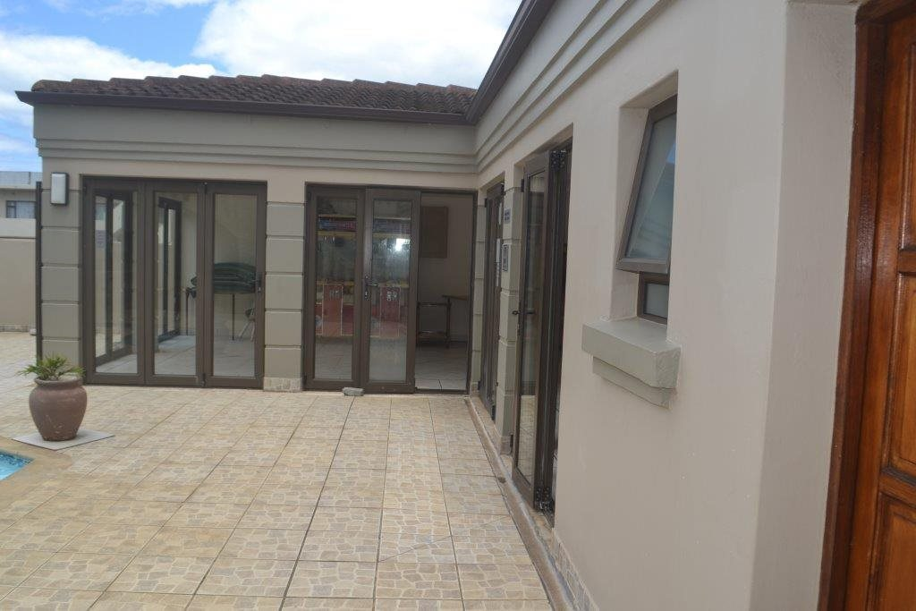 Uvongo property for sale. Ref No: 13560786. Picture no 6