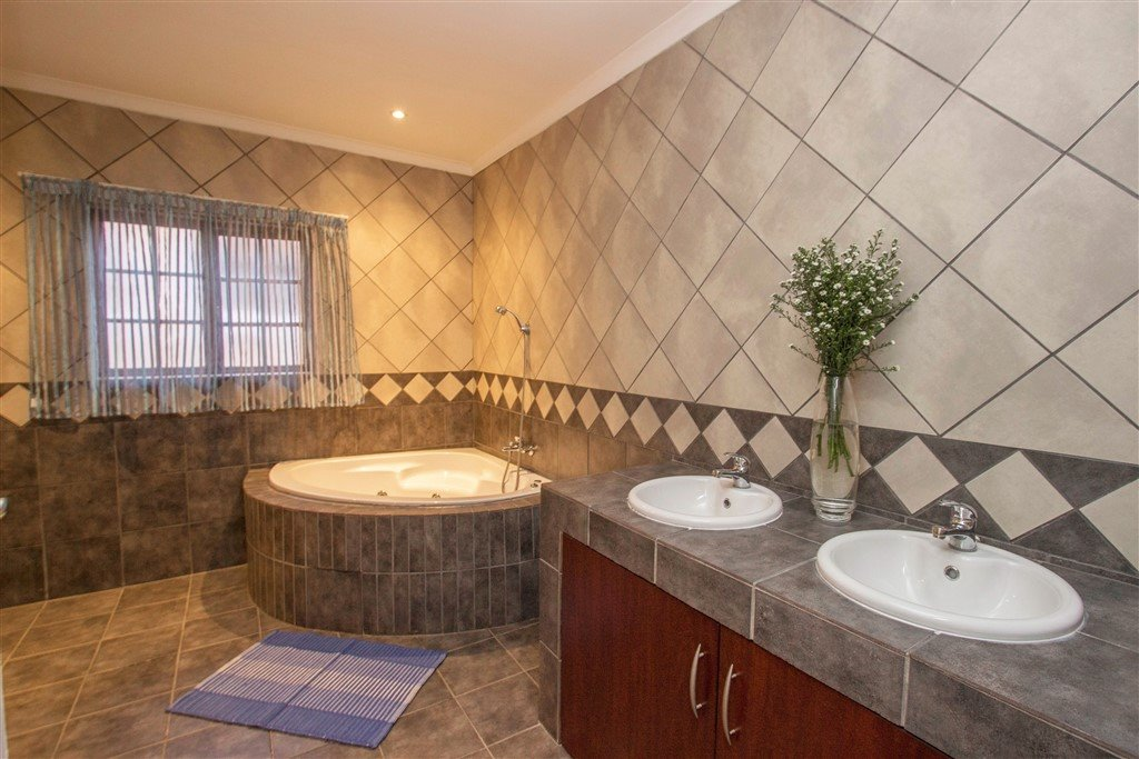Craigavon property for sale. Ref No: 13257681. Picture no 20