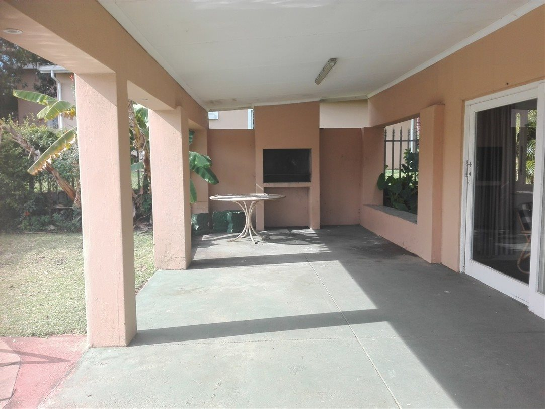 Uvongo property for sale. Ref No: 13369451. Picture no 22