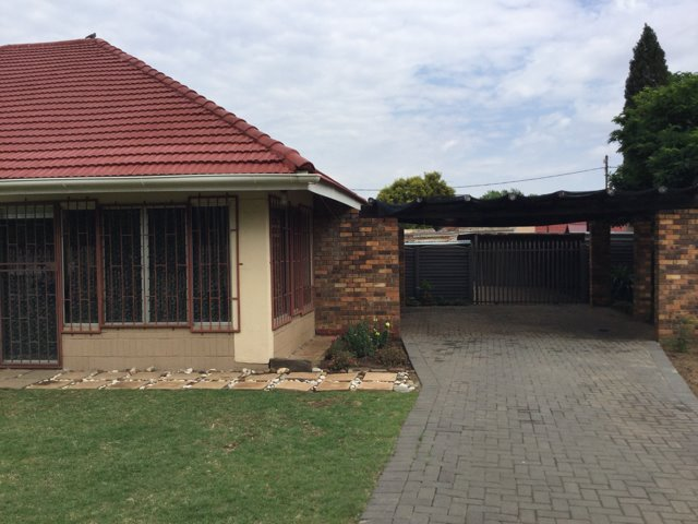 Three Rivers property for sale. Ref No: 13403355. Picture no 13