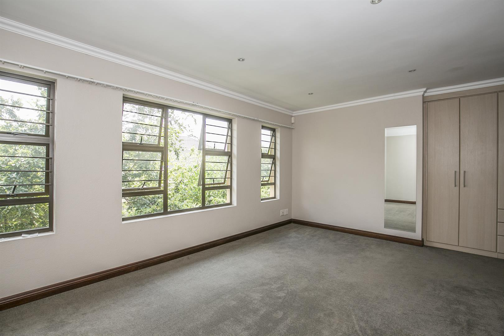 Fourways property for sale. Ref No: 13458374. Picture no 12