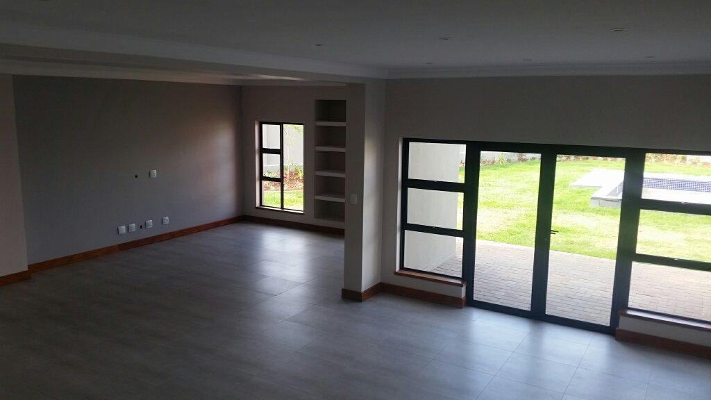 Midstream Ridge Estate property for sale. Ref No: 13379169. Picture no 15