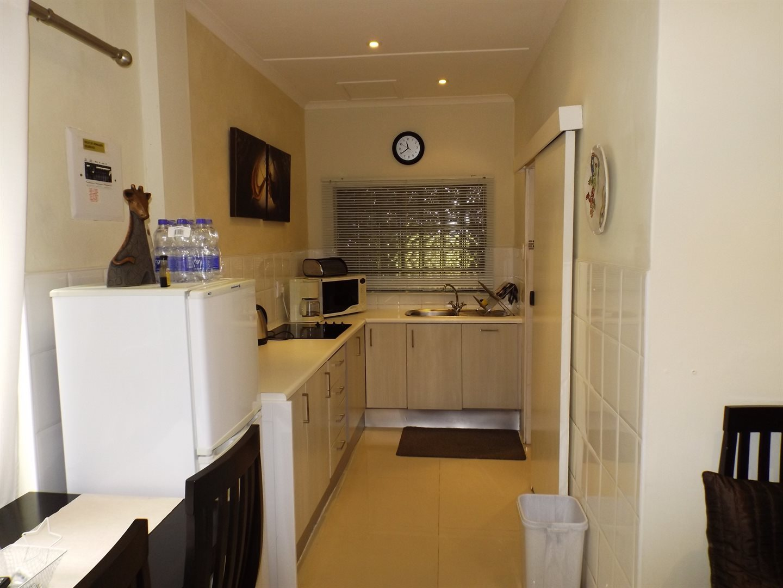 Bonnie Doone property for sale. Ref No: 13576132. Picture no 31