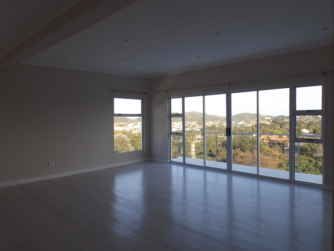 Beacon Bay property for sale. Ref No: 13362713. Picture no 7