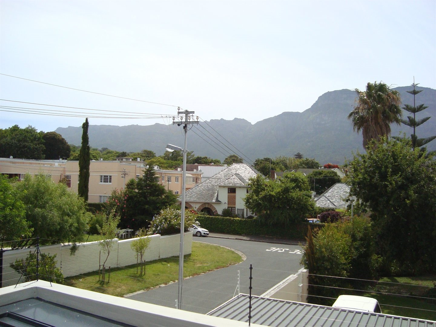 Claremont property to rent. Ref No: 13575482. Picture no 22
