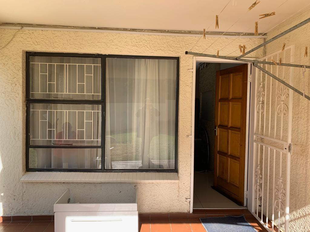 , Townhouse, 3 Bedrooms - ZAR 1,095,000
