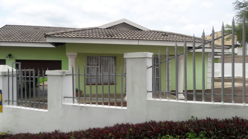 Hillview property for sale. Ref No: 13411939. Picture no 18