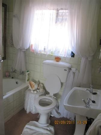 Three Rivers East property for sale. Ref No: 13523179. Picture no 8