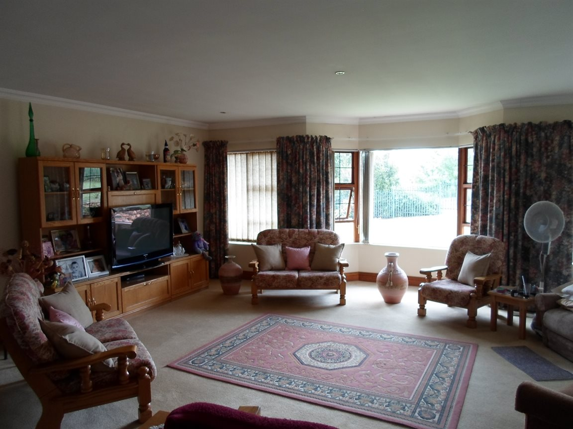 Cornwall Hill property to rent. Ref No: 13282082. Picture no 14