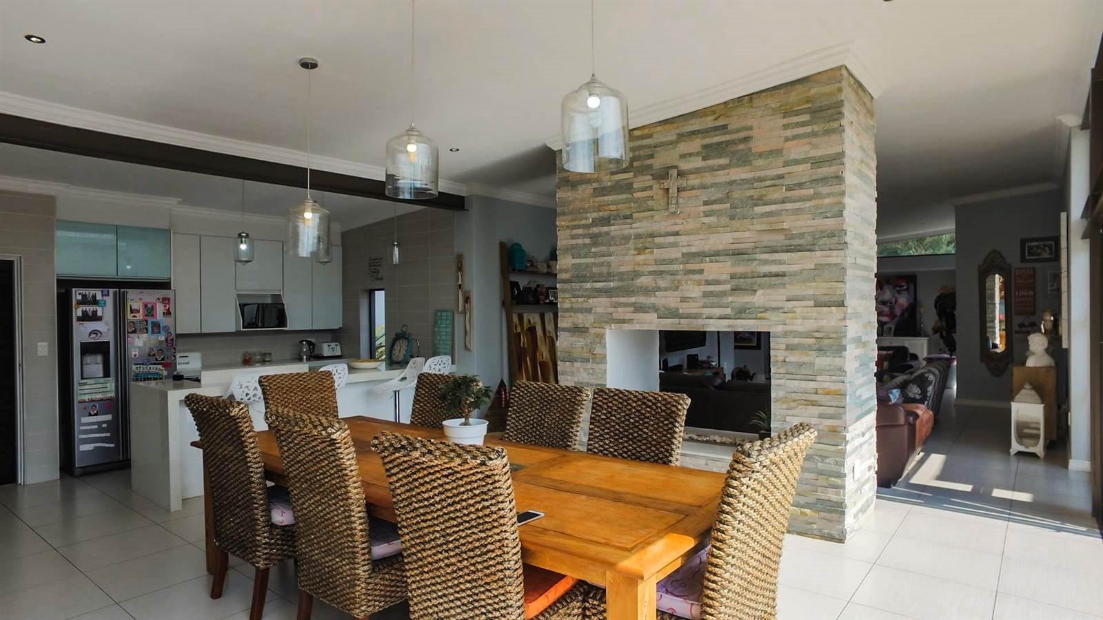 Midstream Hill Estate property for sale. Ref No: 13326880. Picture no 9