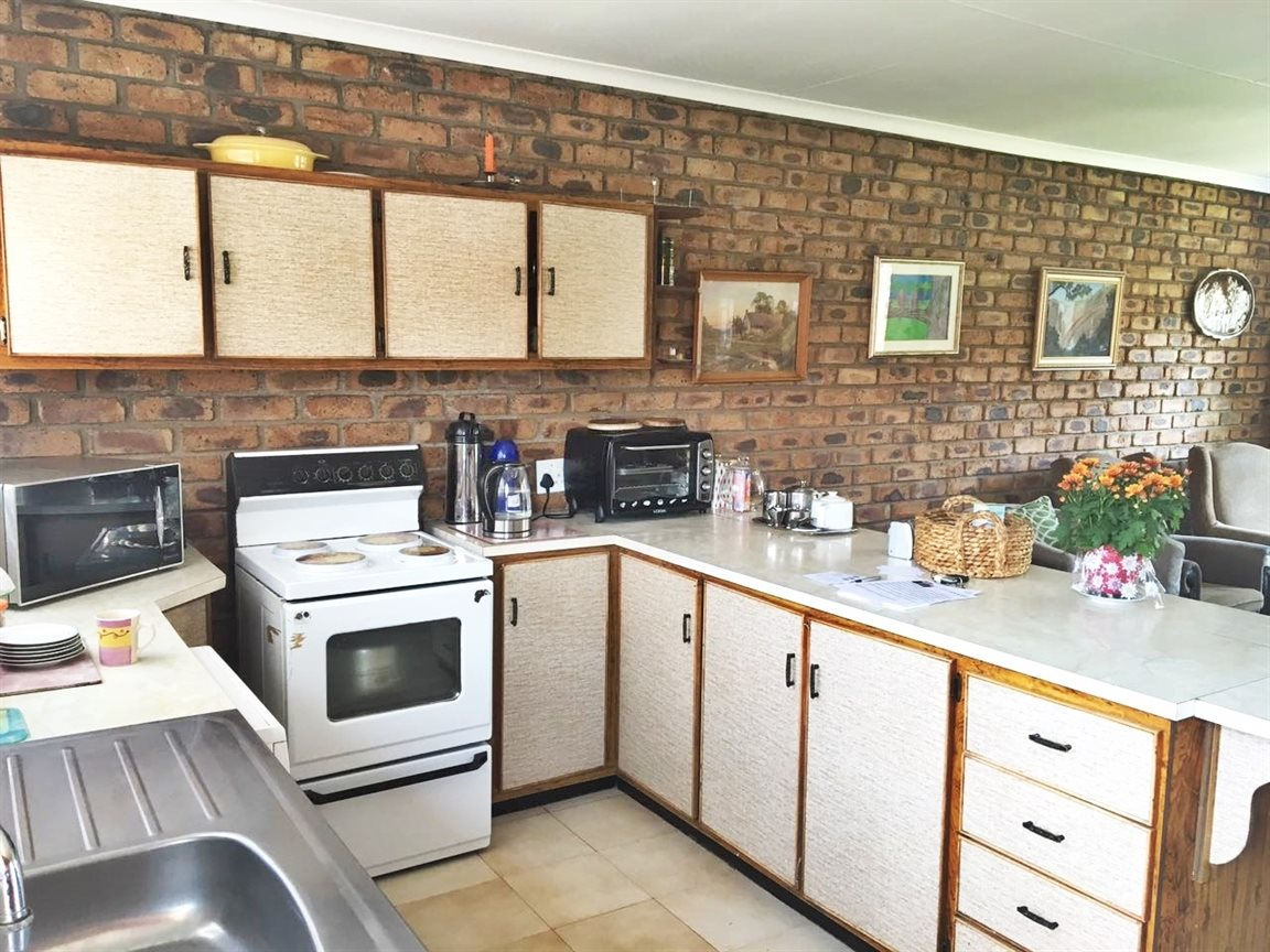Krugersdorp North property for sale. Ref No: 13402342. Picture no 14