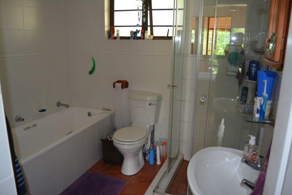 Umtentweni property for sale. Ref No: 13278177. Picture no 16