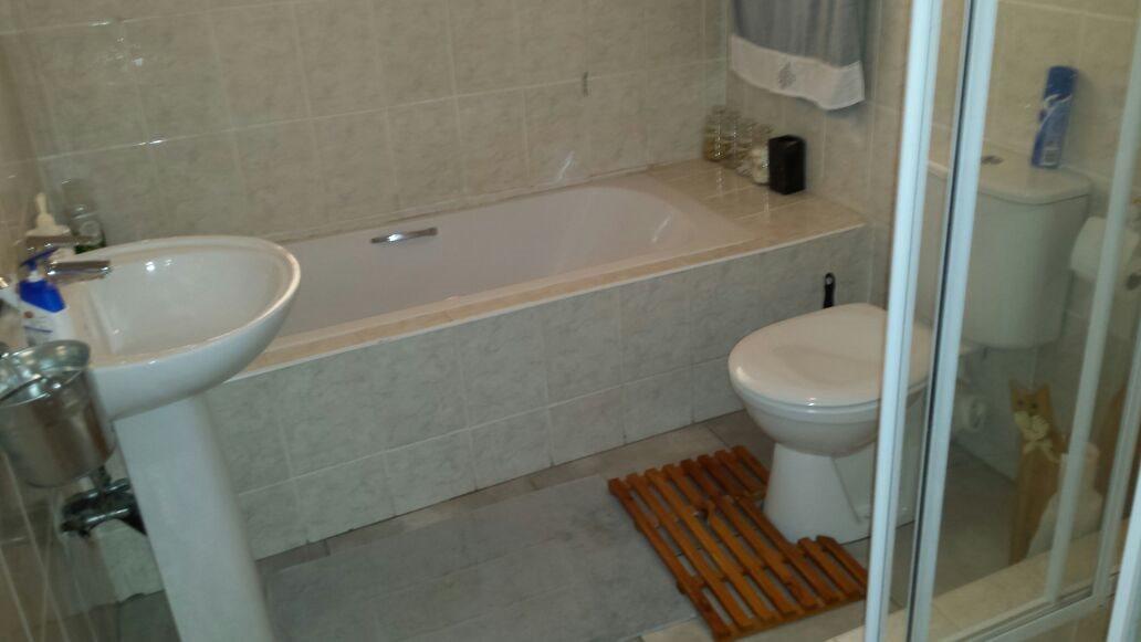 Amanzimtoti property for sale. Ref No: 13326503. Picture no 5