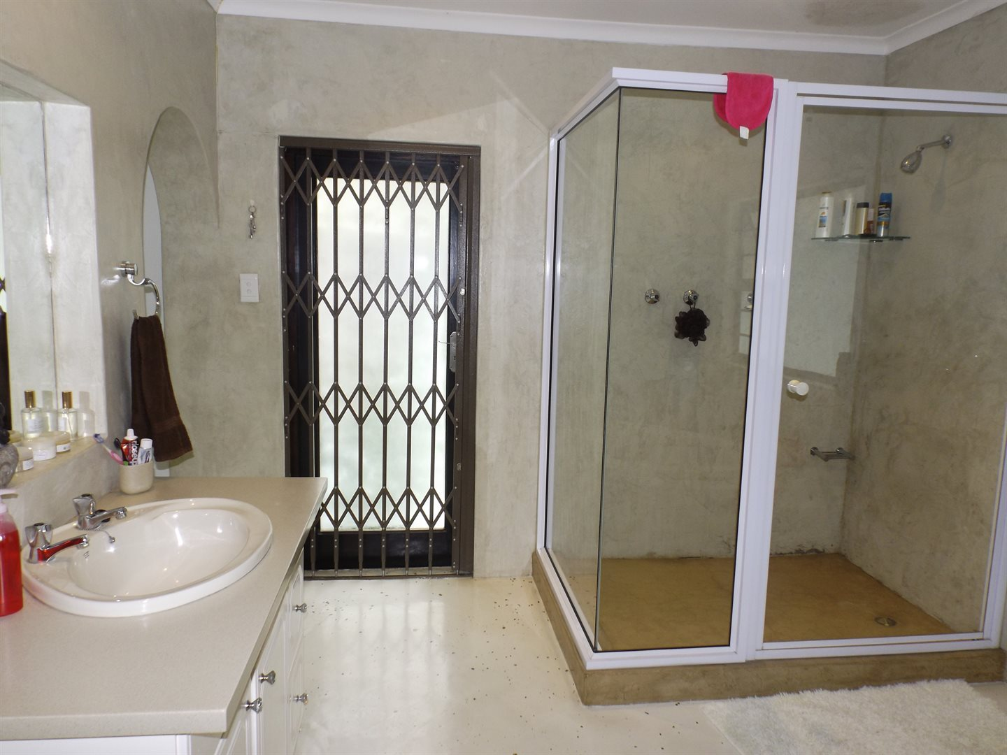 Nahoon Valley property for sale. Ref No: 13603956. Picture no 15