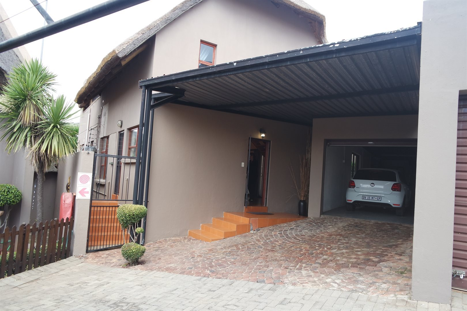 Krugersdorp, Range View Property  | Houses For Sale Range View, Range View, Townhouse 3 bedrooms property for sale Price:1,290,000