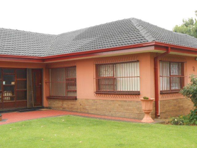 Risiville property for sale. Ref No: 13416924. Picture no 2