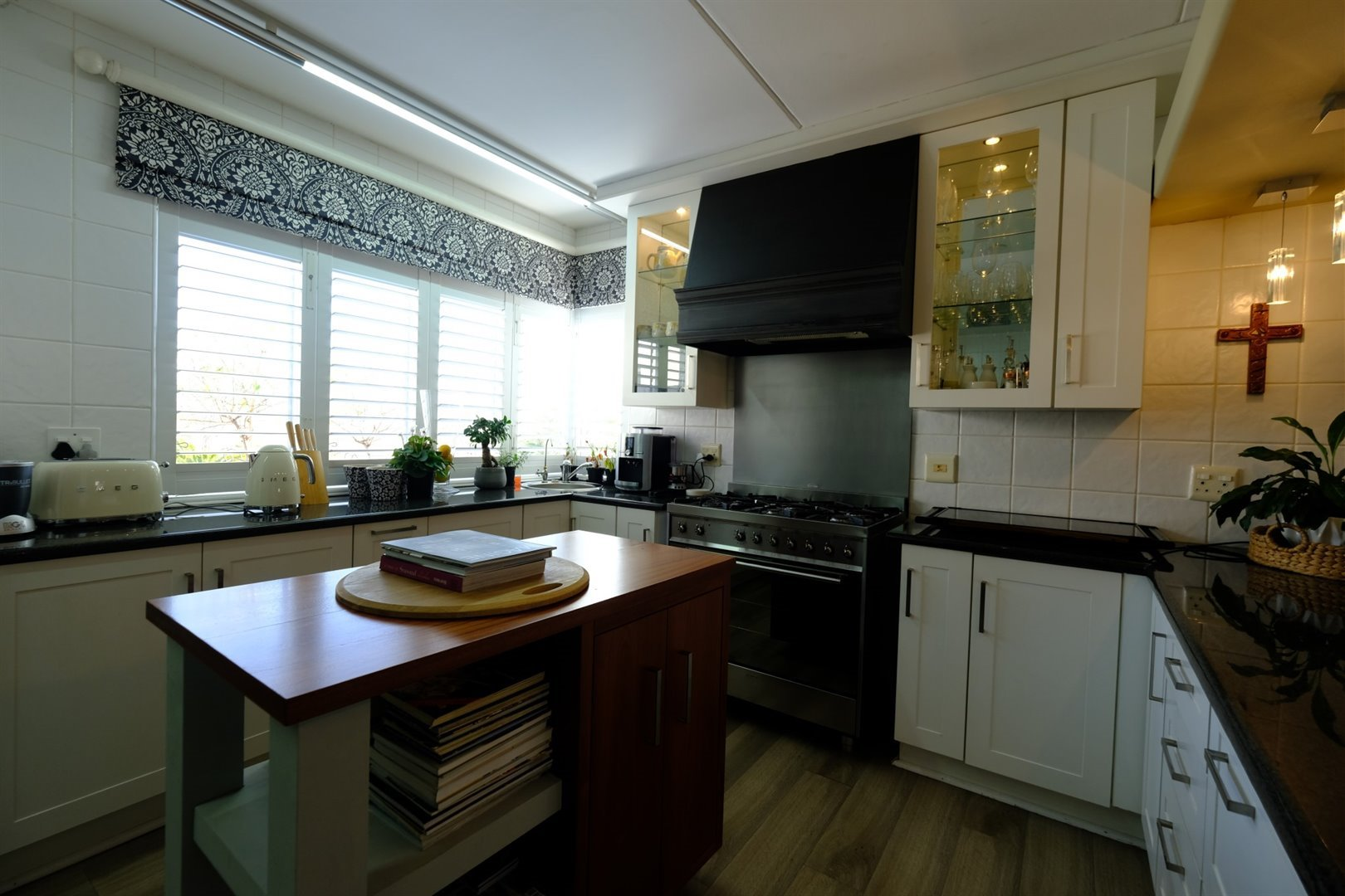 Three Rivers East property for sale. Ref No: 13378538. Picture no 9