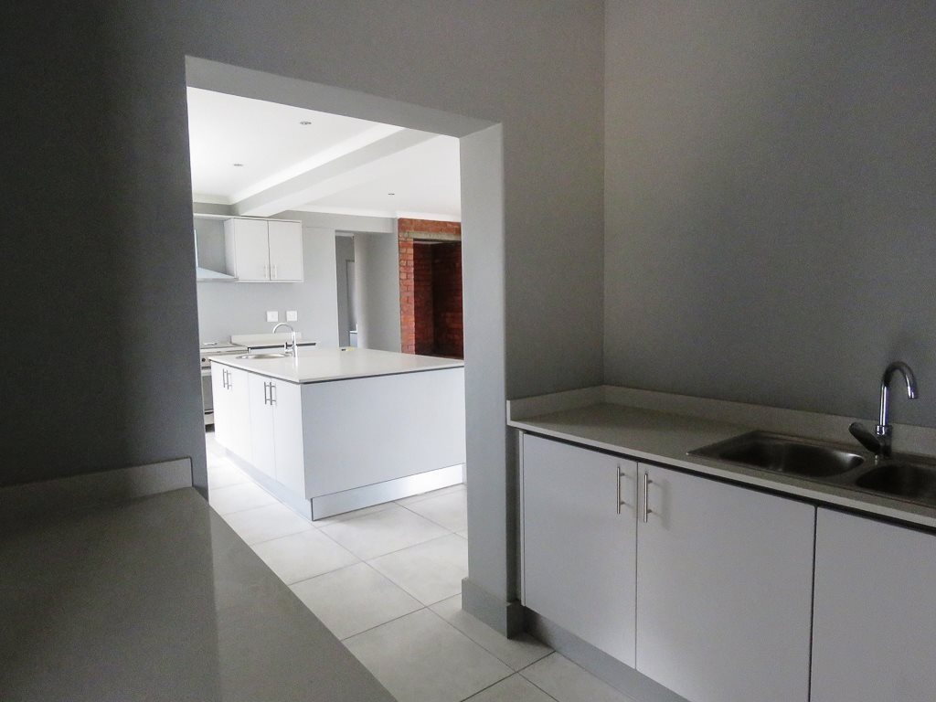 Yzerfontein property for sale. Ref No: 13538718. Picture no 8
