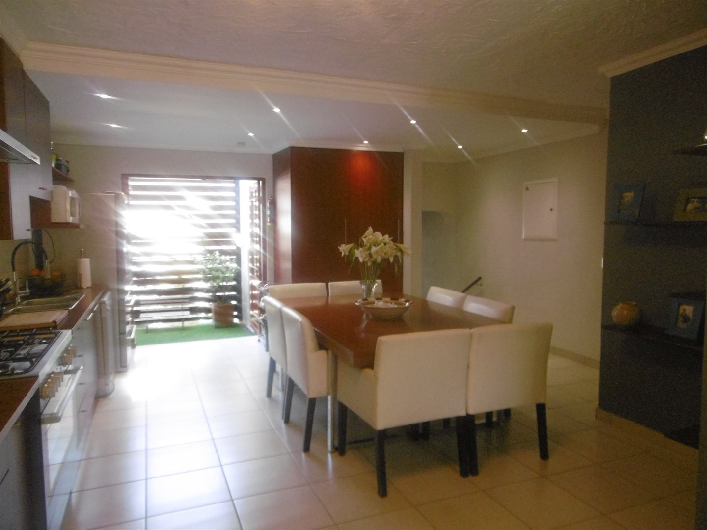 Bryanston property for sale. Ref No: 13531722. Picture no 3