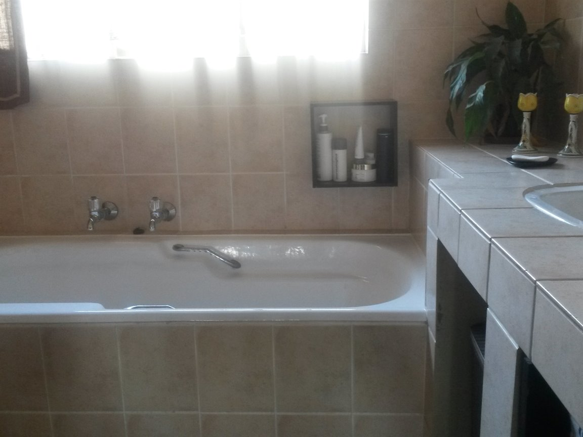 Doringkloof property to rent. Ref No: 13357748. Picture no 15