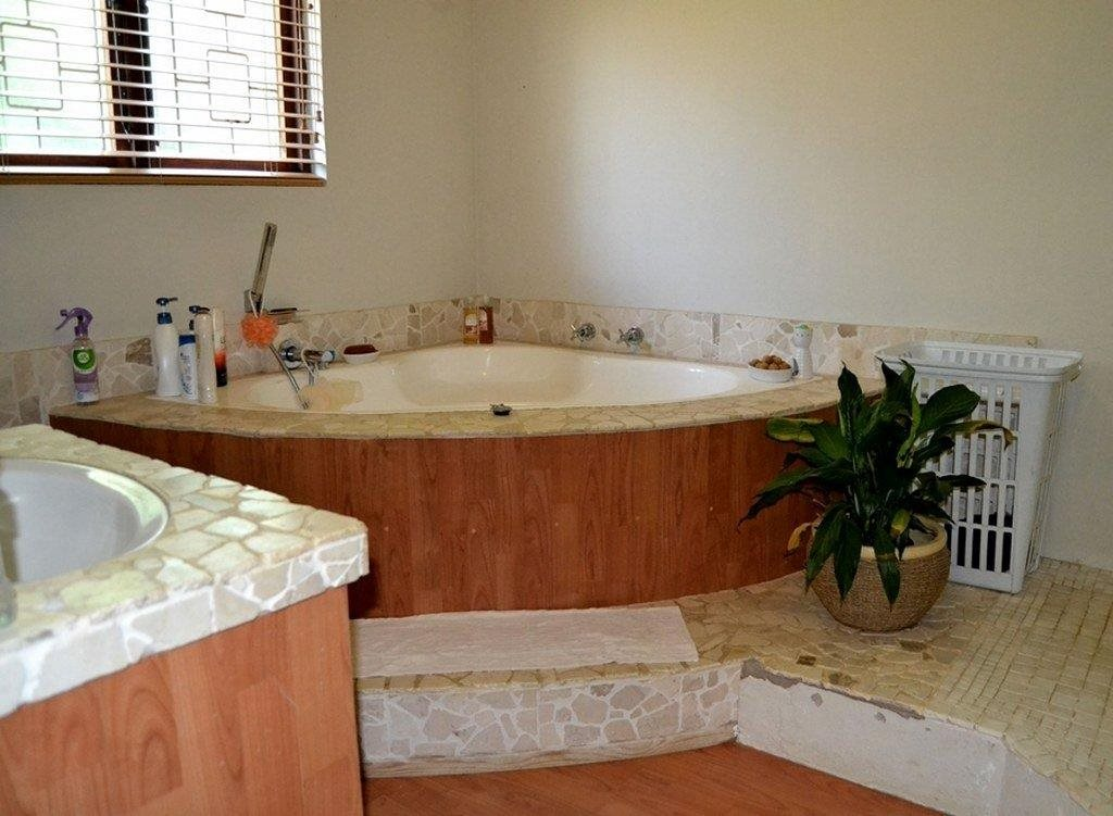 Hibberdene property for sale. Ref No: 13231211. Picture no 8