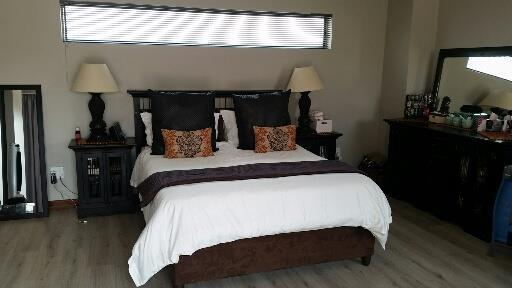 Midstream Ridge Estate property for sale. Ref No: 13462257. Picture no 15