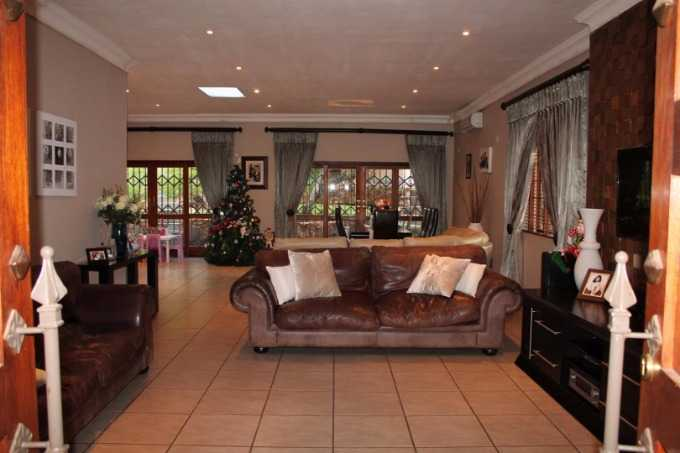 Florauna property for sale. Ref No: 13567183. Picture no 4