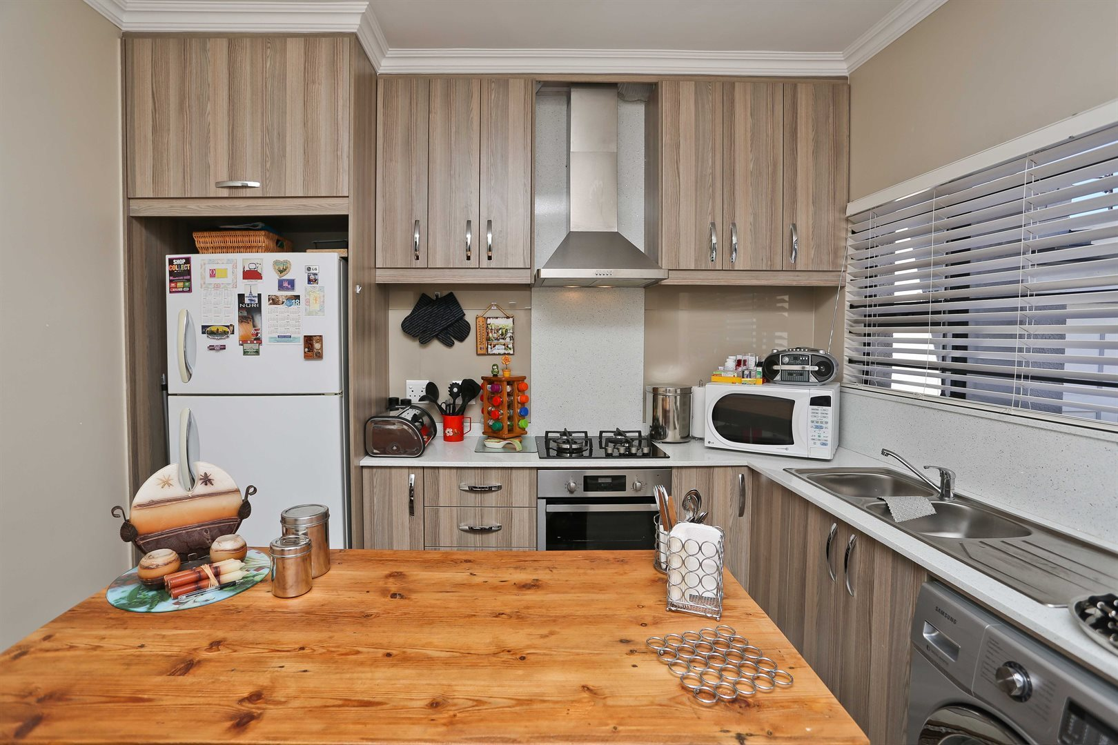 Plumstead property for sale. Ref No: 13581245. Picture no 2