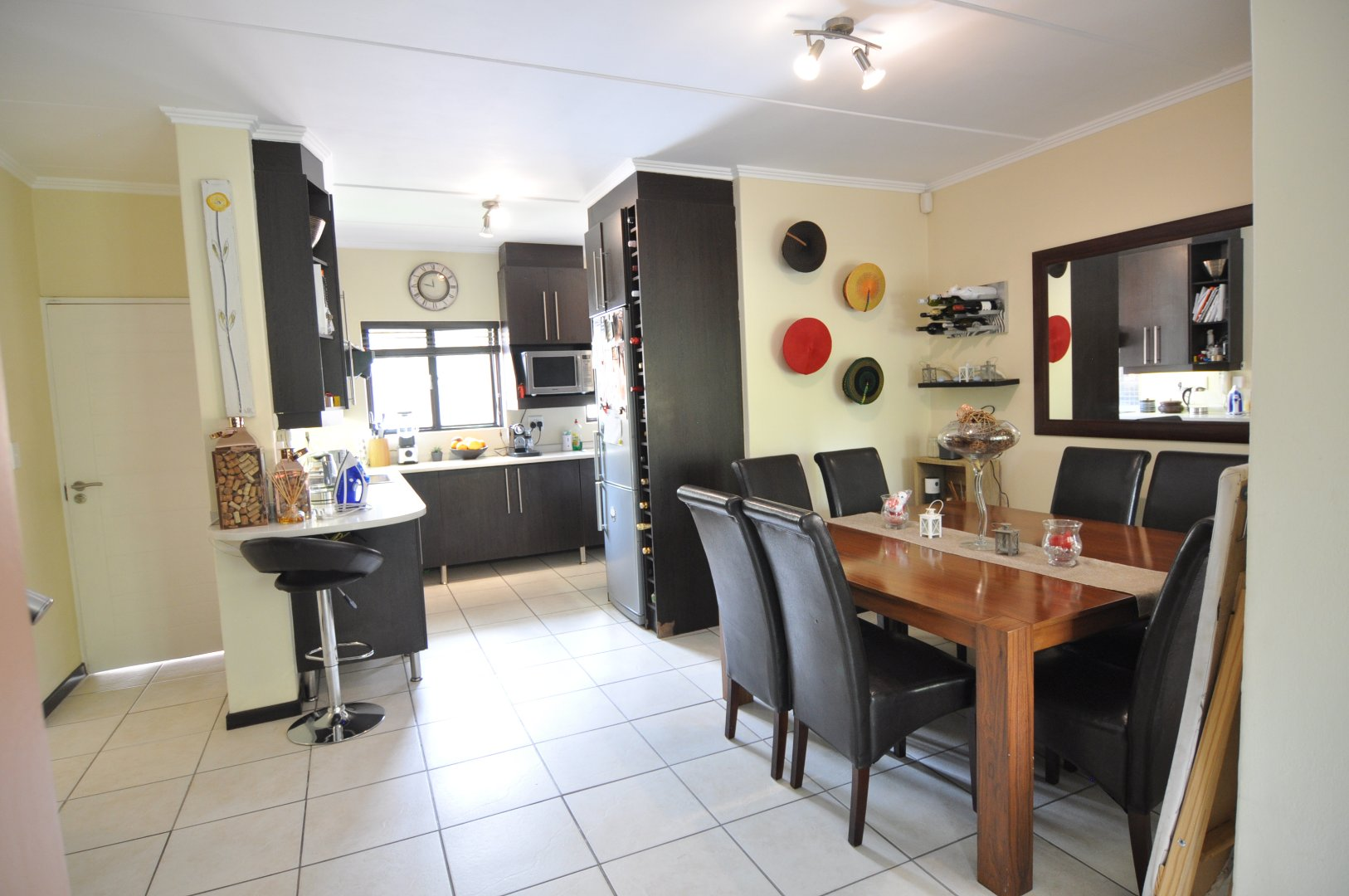Douglasdale property to rent. Ref No: 13598647. Picture no 6