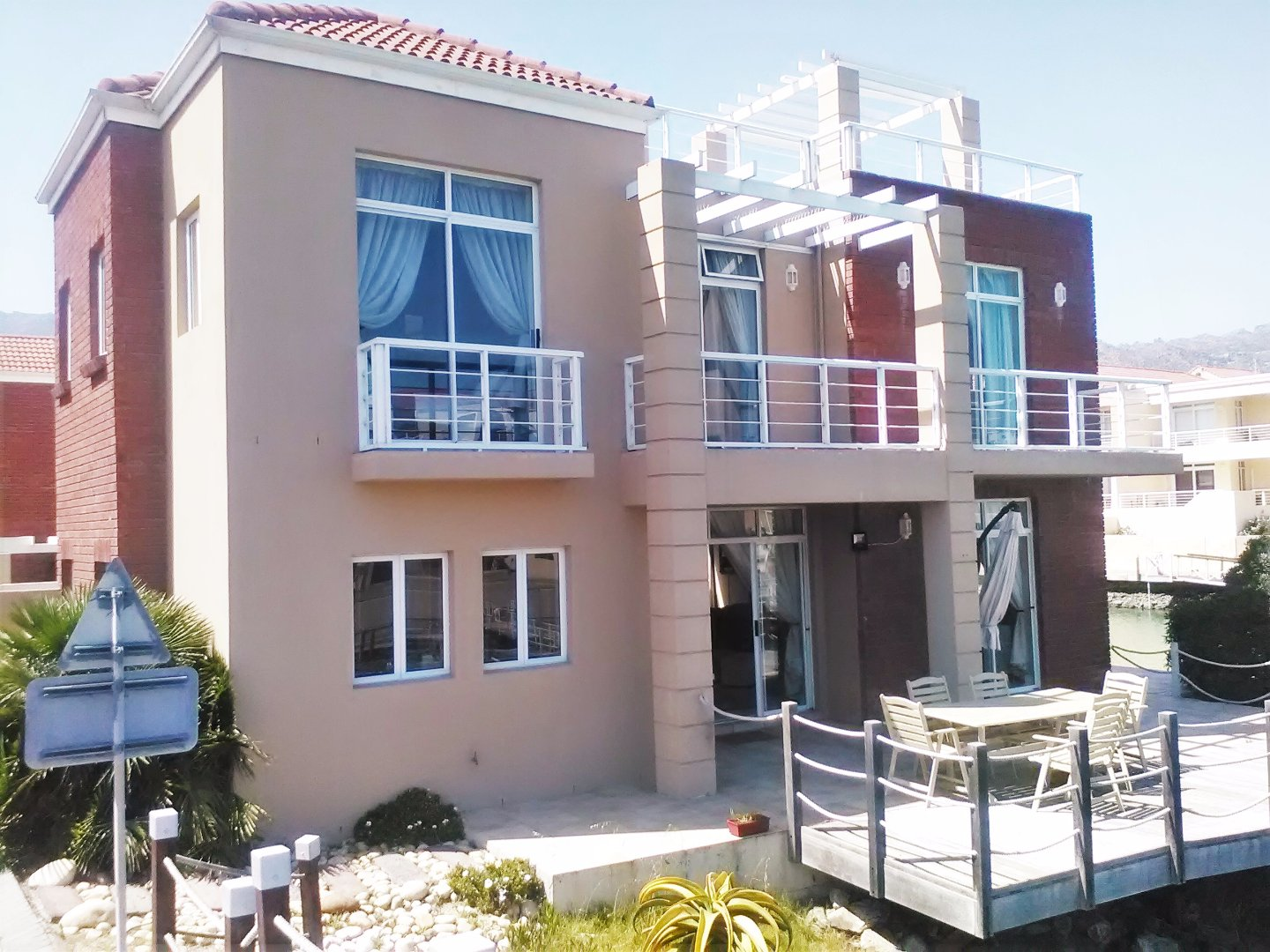 Harbour Island property to rent. Ref No: 13554085. Picture no 42
