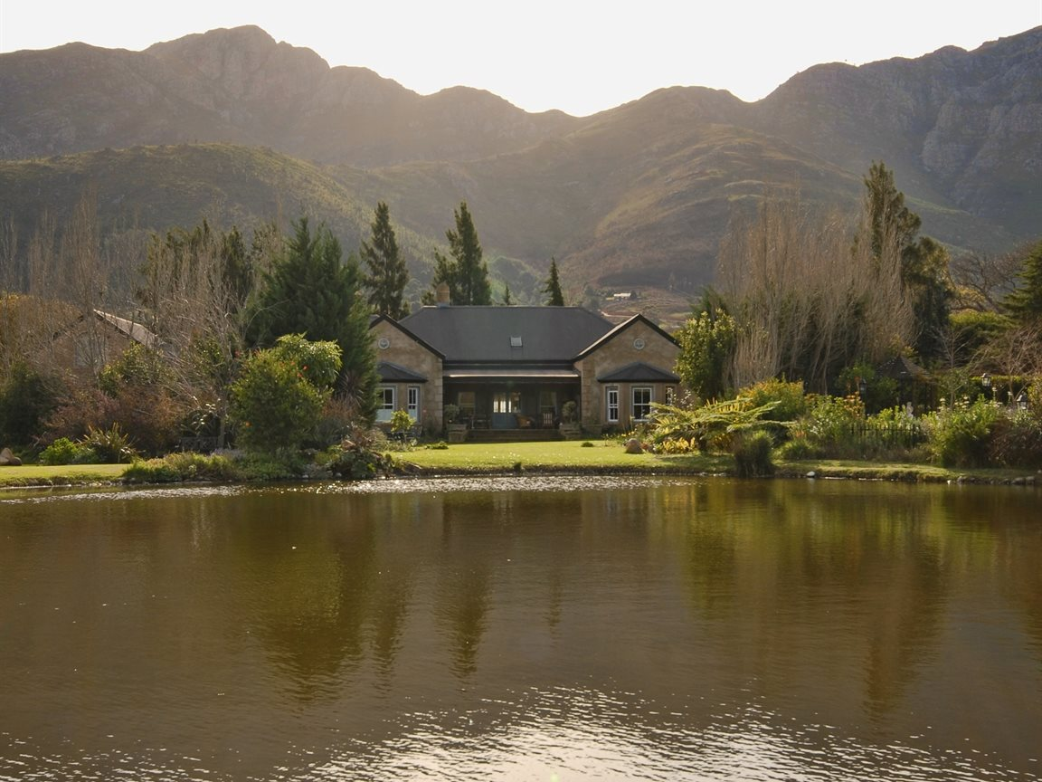 Franschhoek property for sale. Ref No: 13331892. Picture no 15