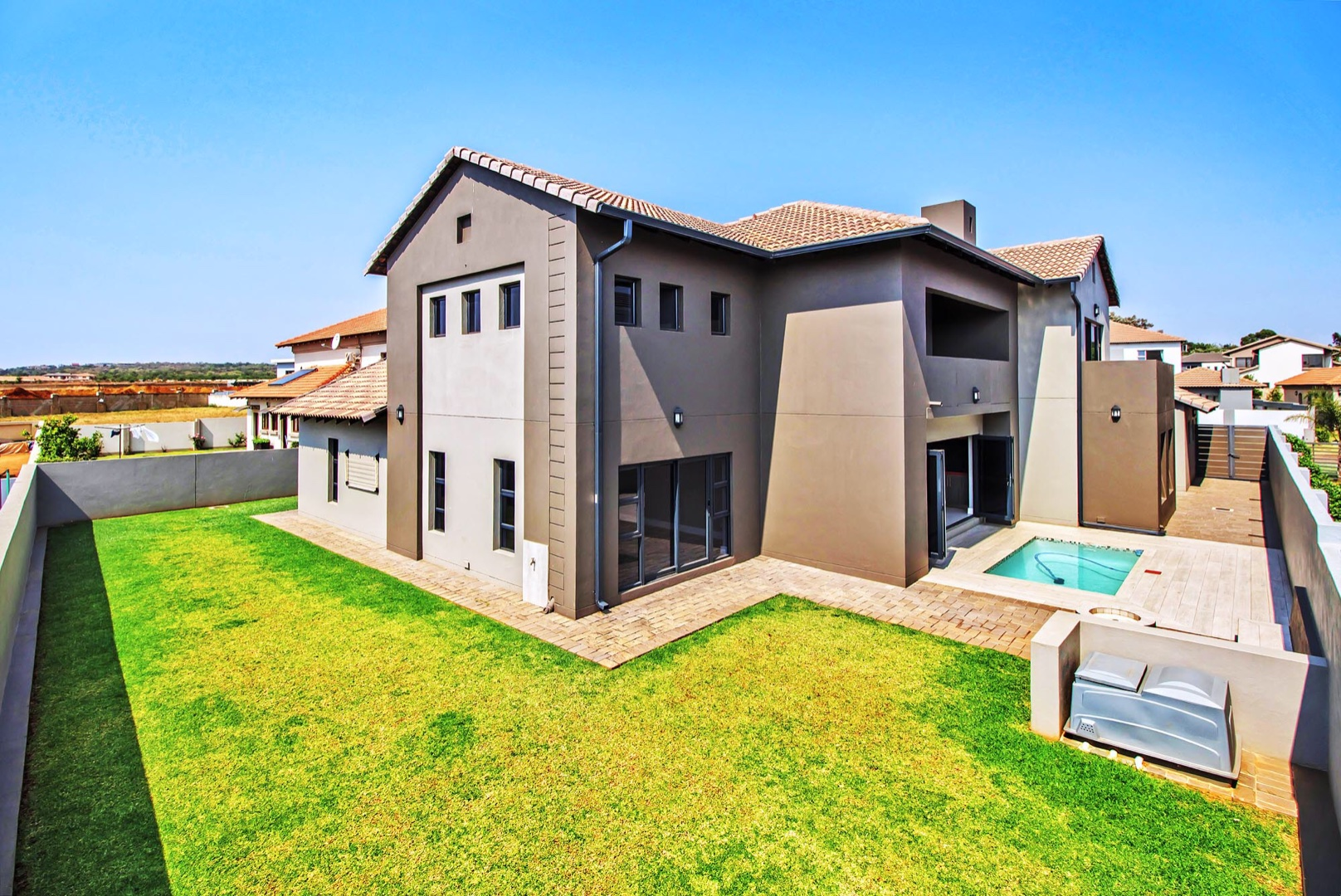 Property and Houses for sale in Silverwoods Country Estate, House, 5 Bedrooms - ZAR 4,950,000