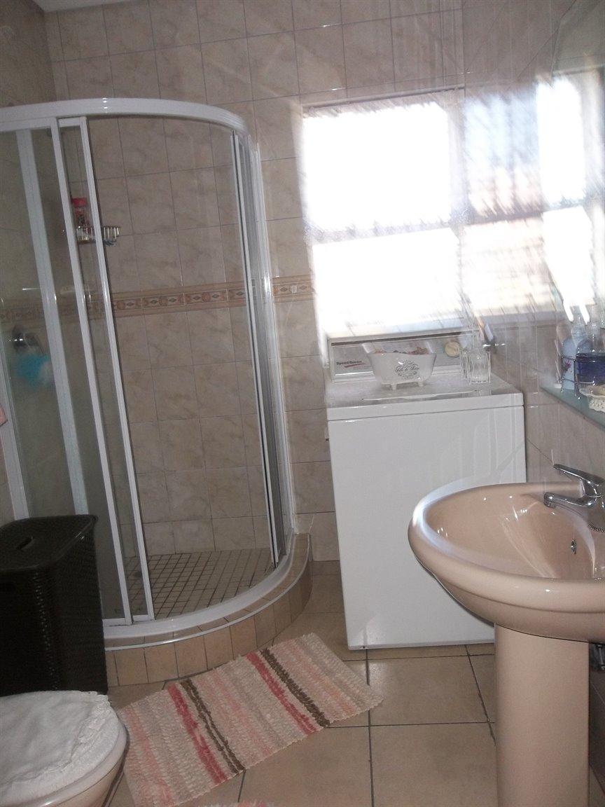 Amanzimtoti property for sale. Ref No: 13400263. Picture no 13