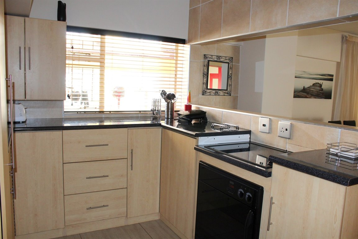 Potchefstroom Central property for sale. Ref No: 13394154. Picture no 4