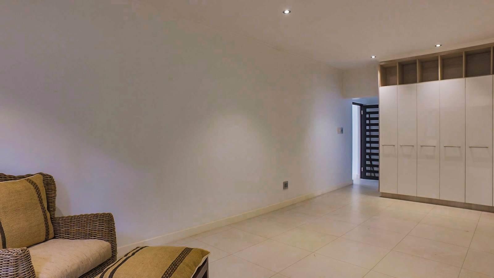 Glenvista property for sale. Ref No: 13524841. Picture no 7