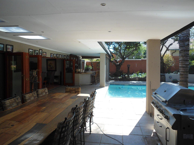 Douglasdale property for sale. Ref No: 13520882. Picture no 33
