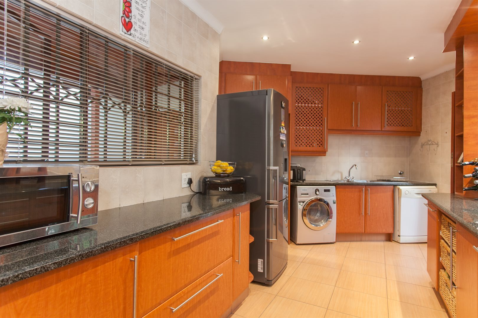 Fourways property for sale. Ref No: 13551719. Picture no 3