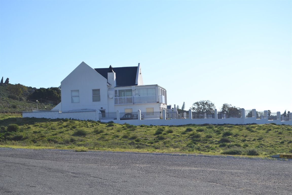 Da Gama Bay property for sale. Ref No: 12787931. Picture no 4