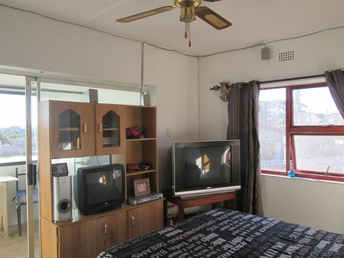 Vredenburg property for sale. Ref No: 13353056. Picture no 9