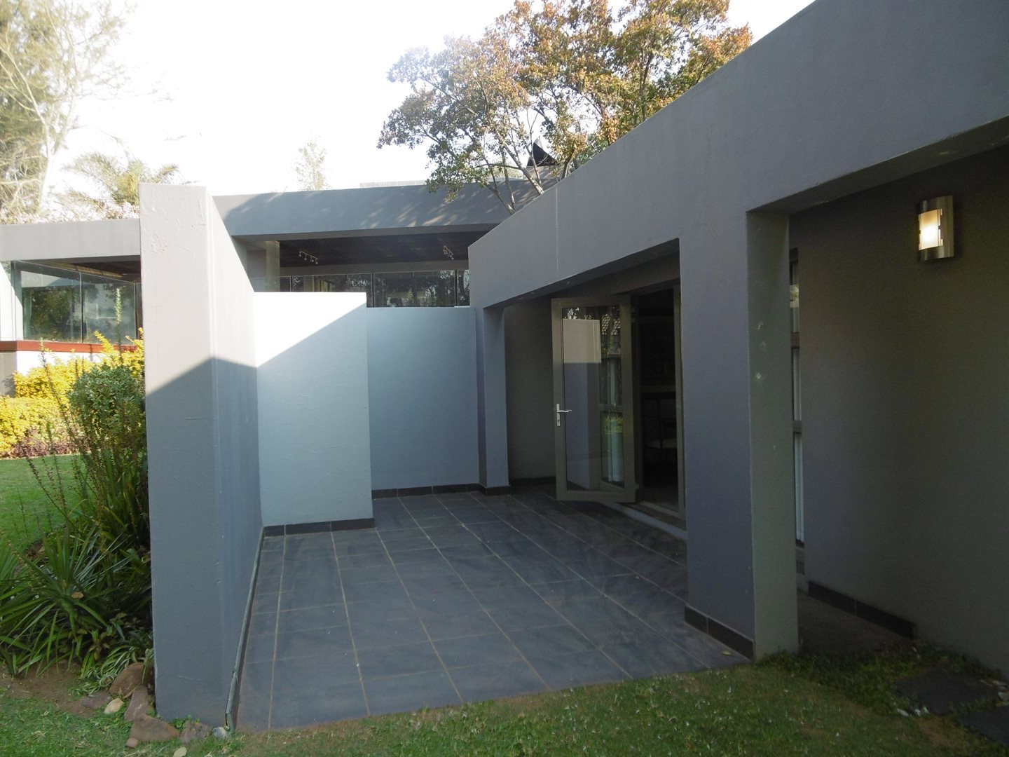 Bryanston property to rent. Ref No: 13504988. Picture no 2
