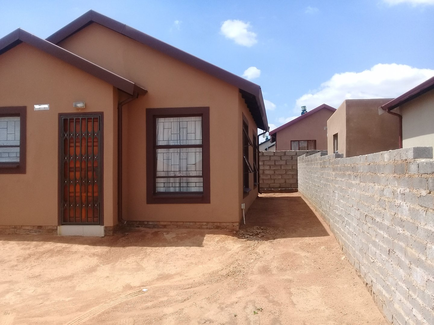 Soshanguve East property for sale. Ref No: 13589776. Picture no 17