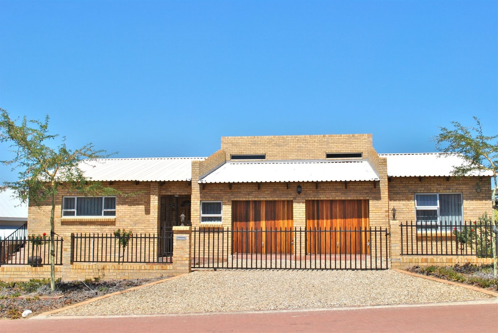Property and Houses for sale in Fairway Heights, House, 3 Bedrooms - ZAR 1,750,000