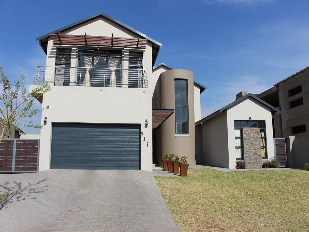 Copperleaf Estate property for sale. Ref No: 13382540. Picture no 1